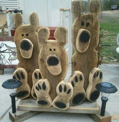 Bear paws Woodwork Crafts - The Beginners Guide To Woodworking Woodworking is one hobby Wooden Projects, Wooden Crafts, Craft Projects, Barn Wood Crafts, Pallet Crafts, Pallet Art, Diy Crafts, Crafts To Sell, Crafts For Kids