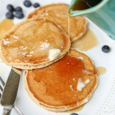 Soft, fluffy, kid-friendly pancakes with no all-purpose flour. whole wheat and delicious! Freeze Pancakes, Breakfast Pancakes, Breakfast Recipes, Whole Grain Pancakes, The Pancake House, No Bake Desserts, Diabetic Recipes, Baked Goods, Favorite Recipes