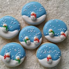 These adorable cookies are topped with my snowmen, in mini size! My regular snowmen are about an inch tall, and these mini snowmen are only about inch. If youd like to order some minis, send me a message. Mini Cookies, Fancy Cookies, Iced Cookies, Cute Cookies, Fondant Cookies, Cupcake Cookies, Royal Icing Cookies, Christmas Baking Gifts, Christmas Clay