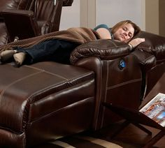 http://www.sofasandsectionals.com/sectionals/franklin-sectionals/franklin-572-chocolate-sectional