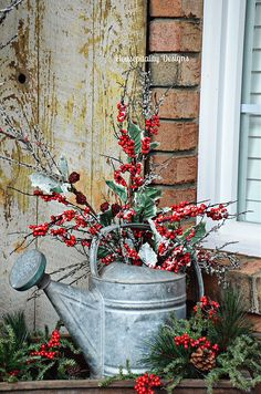 Christmas 2015 Front Porch/Vintage Watering Can – Housepitality Designs The post Christmas 2015 Front Porch with Rudy appeared first on Dekoration. christmas porch Christmas 2015 Front Porch with Rudy Winter Christmas, Christmas Home, Christmas Wreaths, Elegant Christmas, Christmas Ideas, Christmas Inspiration, Christmas Island, Christmas Front Porches, Country Christmas Crafts