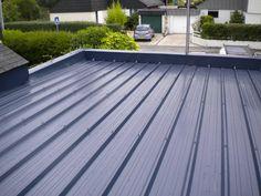 toiture bac acier - Recherche Google Timber Roof, Metal Roof, Roof Structure, Steel Structure, Flat Roof Shed, Rock Steps, Cheap Sheds, Carport Garage, Kitchen Dining Living