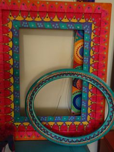 Hand Painted Furniture, Painted Chairs, Mirror Painting, Painting Frames, Madhubani Painting, Frame Crafts, Home And Deco, Mural Art, Diy Art