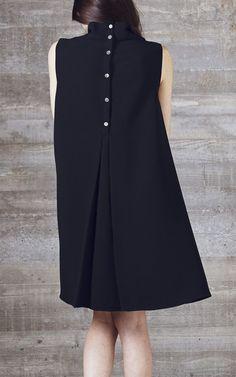 Little Black Dress : Rachel Comey Una Dress Look Fashion, Fashion Details, Womens Fashion, Fashion Design, Dress Skirt, Dress Up, Swing Dress, Linen Dresses, Mode Outfits