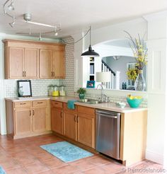 DIY:: Great WAYS TO UPDATE YOUR KITCHEN & OAK CABINETS WITHOUT PAINT