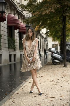 18805f436d2c CHANNELING MY INNER GOLDEN GIRL IN A CHLOE DRESS AND CHANEL SLINGBACKS  Song  of Style