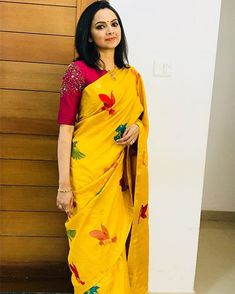 Stuning Yellow Chanderi Silk Embroidery Work Bollywood Look Saree Simple Blouse Designs, Shirt Designs, Stylish Blouse Design, Kerala Saree Blouse Designs, Saree Blouse Neck Designs, Sari Blouse, Blouse Patterns, Diana Penty, Trendy Sarees