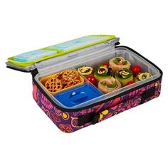 Pin for Later: Wow-Worthy Lunchboxes For Back to School Bento Lunch Box Kit A twist on the traditional bento box, the Fit and Fresh Bento Lunch Box Kit ($18) comes with built-in ice packs to keep lunch perfectly chilled.