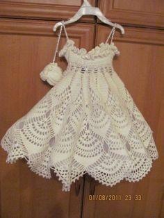 Crochet patterns free: See friends. the beautiful work in crochet yarn girls. with graphic below. Crochet Baby Clothes, Crochet Girls, Crochet For Kids, Crochet Dresses, Crochet Toddler, Crochet Crafts, Crochet Yarn, Lace Knitting, Crochet Designs