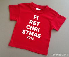 Will you be celebrating Babys First Christmas this year? Then why not celebrate the festive occasion with this cute FIRST CHRISTMAS 2016 Top. This eye catching design will make a perfect 1st Christmas outfit and baby gift, and whats more will look great on both baby girls and baby boys.  Check out more Christmas designs at https://www.etsy.com/uk/shop/ArthursLamb?ref=hdr_shop_menu§ion_id=19736414 I only use t-shirts made from 100% cotton fabric. I personally customised the design and apply…