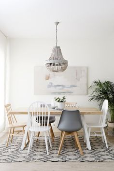 Kenay Home – Table Ideas Living Room Images, Living Room Decor, Mixed Dining Chairs, Esstisch Design, Casual Dining Rooms, Dining Room Inspiration, Deco Table, Dining Room Design, Kitchen Interior