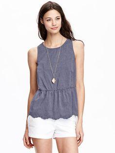 Women's Scallop-Edge Sleeveless Tops Product Image