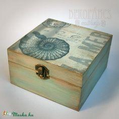 Nyár, tenger, emlékek -  fadoboz (dekopancs) - Meska.hu Techno, Decoupage, Decorative Boxes, Vintage, Home Decor, Crates, Decoration Home, Room Decor, Interior Design
