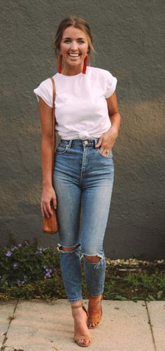 #Summer #Outfits / White T-Shirt + Skinny Ripped Jeans
