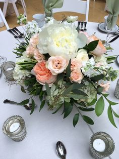 Textural peach and blush Furst Florist Centerpiece #FurstEvents