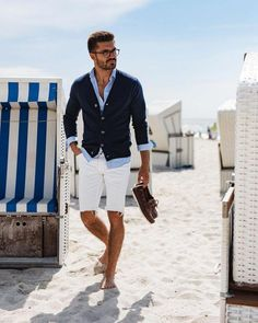 Master smart-casual this season! Check out the men's guide to dressing smart-casual this summer. Men's Summer Smart Casual, Smart Casual Shorts, Mens Fashion Blazer, Men's Fashion, Fashion Outfits, Fashion Styles, Casual Outfits, Herren Style, Look Man
