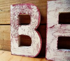 how to paint distressed letters