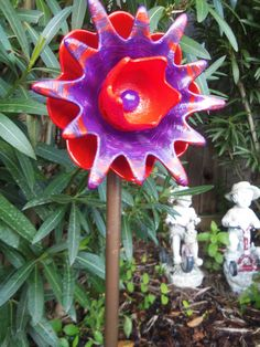 Bright U0026 Bold REpurposed Glass Plate Flower Garden Art Hand Painted In Red  And Violet   Garden Decor,Garden Sculpture,Yard Art, Sun Catcher
