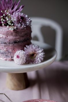 mini chocolate cacao raspberry layer cakes + raspberry cream cheese icing