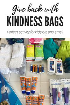 This random act of kindness is for the homeless, easy DIY care bags that any toddler, preschooler or older school age kid can help assemble and teaches compassion and empathy. Homeless Bags, Homeless Care Package, Service Projects For Kids, Community Service Projects, Diy Holiday Gifts, Diy Gifts, Elf On The Shelf, Kindness Elves, Blessing Bags