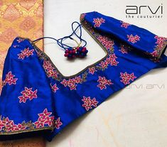 Embroidery for classy lovers Silk Saree Blouse Designs, Bridal Blouse Designs, Silk Sarees, Simple Embroidery, Beaded Embroidery, Hand Embroidery, Raw Silk Fabric, Flower Designs, Hand Designs