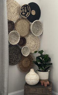 Home Living Room, Living Room Decor, Bedroom Decor, Wall Decor, Basket Decoration, Baskets On Wall, Cozy House, Boho Decor, Diy Home Decor