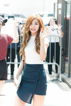 dedicated to female kpop idols. Korean Fashion Styles, Asian Fashion, Kpop Fashion, Daily Fashion, Kpop Girl Groups, Kpop Girls, Korean Women, Korean Girl, Kpop Outfits