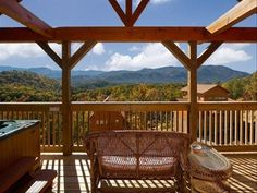Sugar & Spice is a sweet and pristine two level log cabin