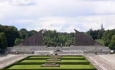 Treptower Park, Soviet Monument