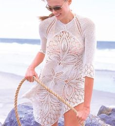 3 - fave summer knitting pattern: how absolutely gorgeous and flattering is the Lace Tunic pattern by Brooke Nico for Vogue Knitting (Spring/Summer from Ravelry. Vogue Knitting, Lace Knitting Patterns, Knitting Designs, Lace Patterns, Handgestrickte Pullover, Tunic Pattern, Free Pattern, Summer Knitting, Lace Tunic