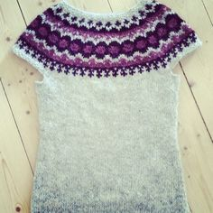 Vest strikket i Álafoss Lopi fra Istex