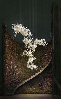 Bespoke Lighting Sculpture Gingko Bespoke / 1120 A Chandelier Art, Luxury Chandelier, Luxury Lighting, Modern Chandelier, Lighting Design, Chandeliers, Glass Diffuser, Light Installation, Flower Installation