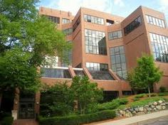 Fletcher School of Law and Diplomacy - Tufts University http://www.payscale.com/research/US/School=Tufts_University/Salary