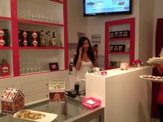 Toronto's Bite Bar at 57 Elm Street sells delicious bite-sized cupcakes and marshmallow bars. You can enjoy your cakes with wine or a Chocolate Eggnog Martini. Eggnog Martini, Christmas Cupcakes, Giveaways, Liquor Cabinet, Toronto, Bar, Interior, Home Decor, Christmas Crackers