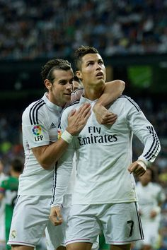 Bale and Ronaldo: Cristiano Ronaldo Photos - Real Madrid CF v Elche FC… Madrid Football Club, Best Football Team, Portugal National Football Team, National Football Teams, Garet Bale, Ronaldo Bale, Cr7 Vs Messi, Ronaldo Photos, Bale Real