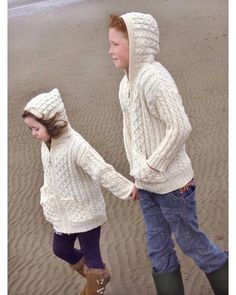 CHILDRENS HOODED ZIP ARAN STYLE CARDIGAN WITH POCKETS Ref: HD4039