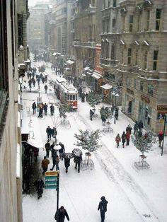 Wow!! Beyoglu, under snow - Istanbul, Turkey
