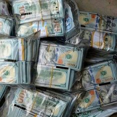 Money Today, Make Money Online, How To Make Money, Fake Money Printable, Dollar Money, Money Stacks, Investing, Money Images, Money Pictures