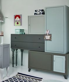 Stunning cupboard with fairly colours – Purchase nothing new – www.nl – # The Efficient Footage We Supply You About Beaute Room hacks. Weathered Furniture, Repurposed Furniture, Painted Furniture, Furniture Makeover, Home Furniture, Furniture Design, Beautiful Closets, Home And Deco, Storage Solutions