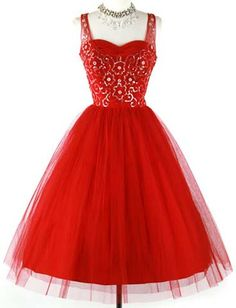 50s deep red tulle sequins prom party dress. 1950's dress. * Deep red tulle * Acetate lining * Beaded sequins bodice * Metal side zipper * Full skirt