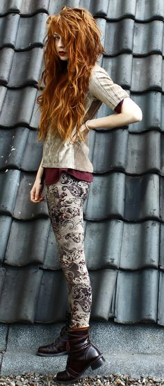 tumblr_mmfm25Amqv1qb7ucko3_1280.jpg (817×1920) The pants and shoes and haiur!! :D