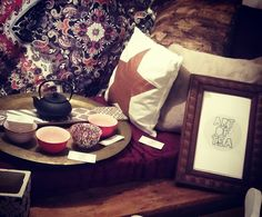 ART OF TEA / Salon de thé /Boutique décoration ethnique chic Béziers Tea Art, Decoration, Boutique, Table, Furniture, Home Decor, Drawing Rooms, Decor, Decorating