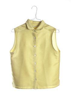 Blusa amarilla y blanca con estampado de trama, sin magas. Hecha a mano artesanalmente en Barcelona www.drbloom.es