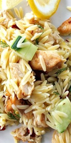 Summer Fresh Lemon and Chicken Orzo Salad. Was meh at best. Find a different orzo salad Chicken Orzo, Lemon Chicken, Grilled Chicken, Salad Chicken, Cooking Recipes, Healthy Recipes, Lunch Snacks, Lunches, Soup And Salad