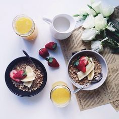 Good Morning!! What is missing in this almost perfect photo? Yes, you're right - the SKINNY DETOX Good Morning Tea is missing!! Have a lovely day!! #inspiration #regram @silverspies #strawberries #orangejuice #happy #flowers #banana #news #fitso #healthy #muesli #breakfast #skinnydetox #tealove #instalove #instagood #love #berlin #teatox #cleaneating