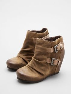 RAPID CITY by OTBT at http://www.LorisShoes.com