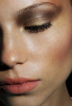 Smokey gold and bronze eye