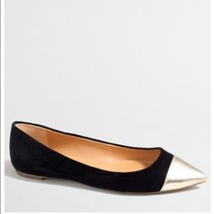 NEW in box J Crew Velvet Cap Toe Amelia Flats NEW in Box-- J Crew Factory flats-- Plush velvet and a gleaming gold toe make a power statement with a variety of outfits! Sophisticated enough for work, stylish enough for play. Come new in box with original packaging-- I have sizes 6 -- 7 -- 7.5 -- 8 -- 8.5. ⭐️Simply Stylish Host Pick ⭐️Best in Shoes and Boots Host Pick ⭐️Insta Chic Host Pick J. Crew Shoes Flats & Loafers