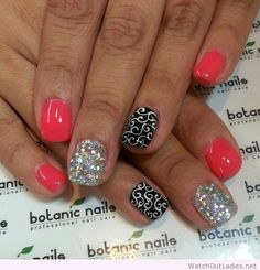 Botanic nails pink, silver, black and white