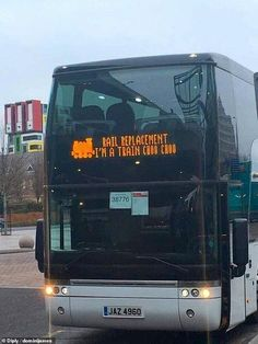 The driver of this rail replacement bus, from an unknown location, couldn't resist joking ... Funny Meme Pictures, Funny Images, Cool Pictures, Top Funny, Hilarious, Funny Stuff, Image Fun, You Can Be Anything, Funny